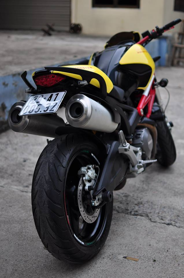 Ducati Monster 795 do noi bat voi tong vang do - 7