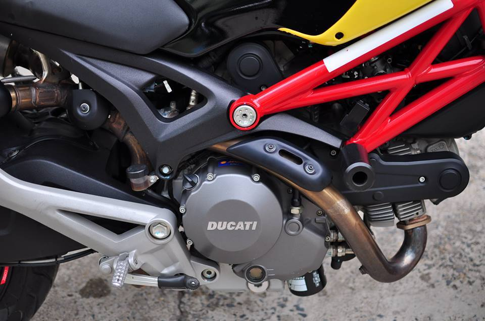 Ducati Monster 795 do noi bat voi tong vang do - 9