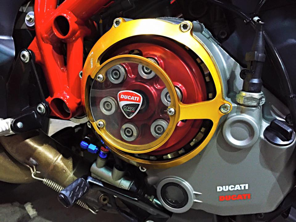 Ducati Streetfighter 848 do noi bat voi loat do choi hang hieu - 7