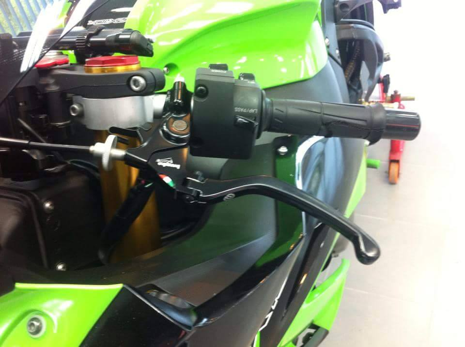 Kawasaki ZX10R do chat choi voi nhung option don gian - 5
