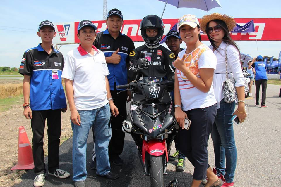 Nhung hinh anh moi nhat ve cuoc dua Exciter 150 Track Race phan 2 - 19