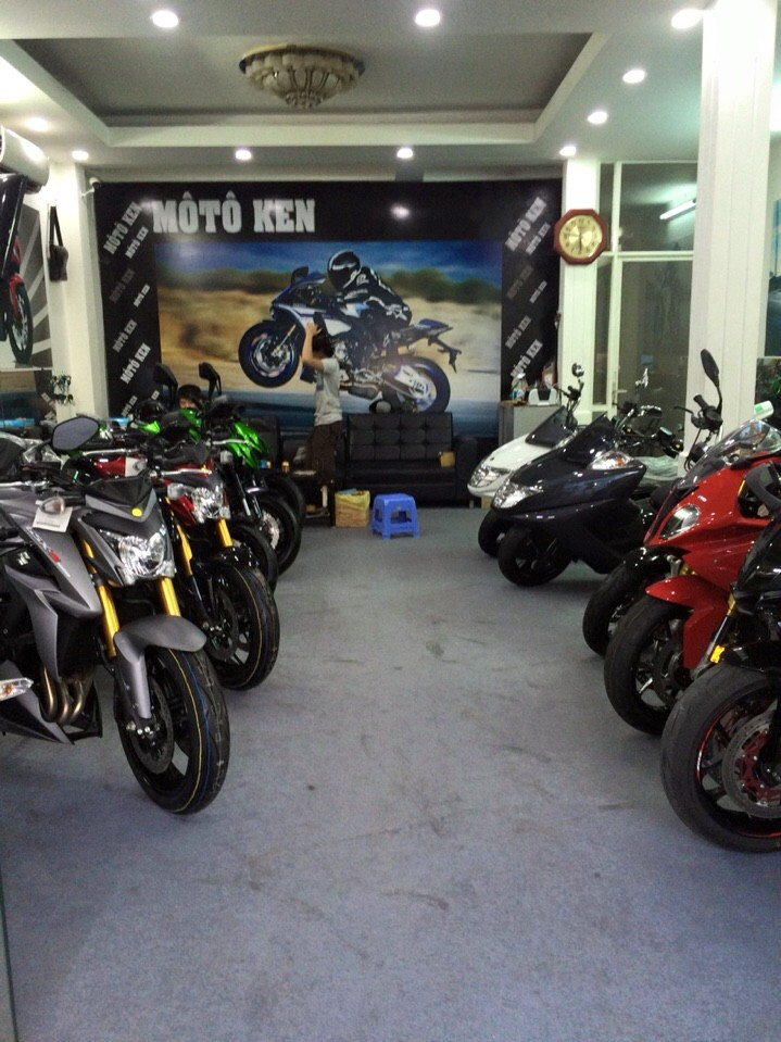Showroom Moto Ken Suzuki GSX S1000 da ve den showroom nhe ae