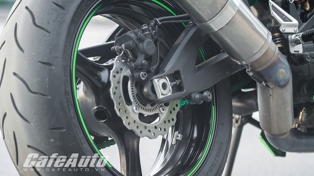Tren yen Kawasaki Ninja ZX10R 2015 co may toc do that thu - 14
