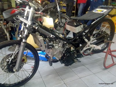 Yamaha Exciter do phien ban Drag Racing
