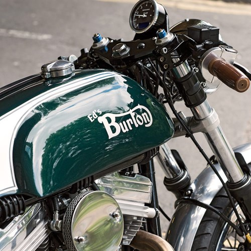 Cafe Racer Burton chiec mo to do voi khung suon Anh dong co My - 2