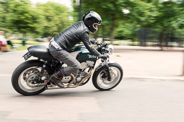Cafe Racer Burton chiec mo to do voi khung suon Anh dong co My - 5