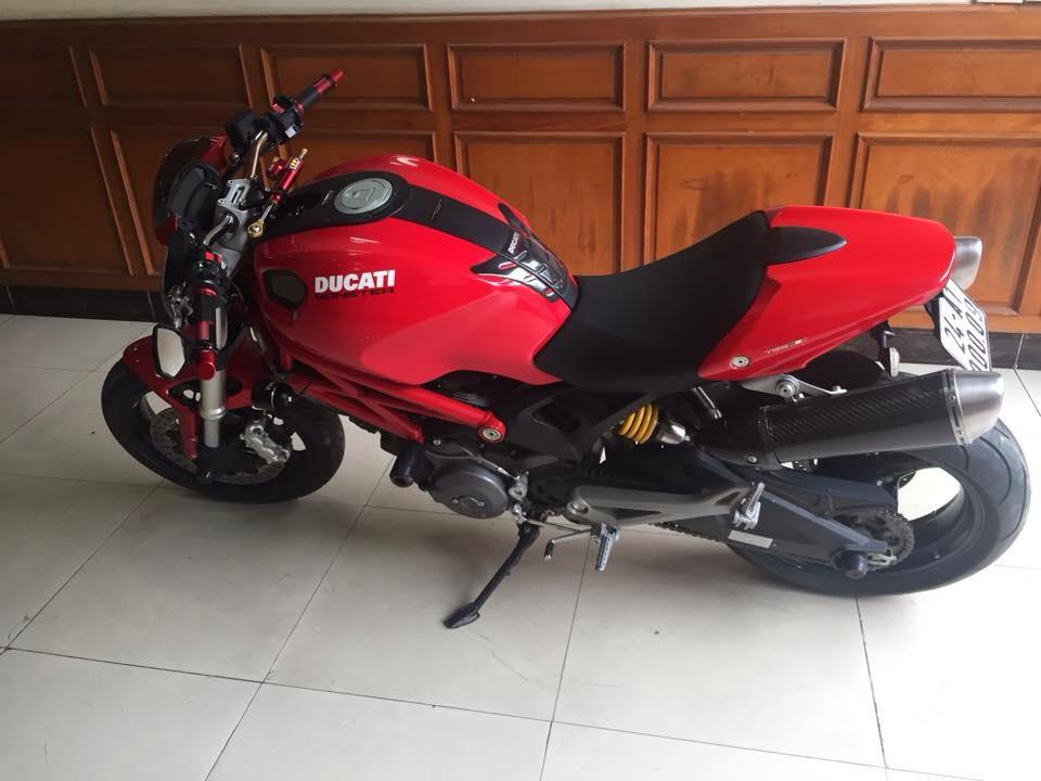 Ducati Monster 795 po Slip On Termignoni du giai tan dam dong trog 2s