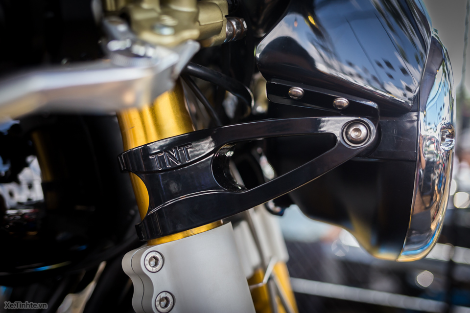 Norton Commando 961 Cafe Racer tai VMF 2015 - 16