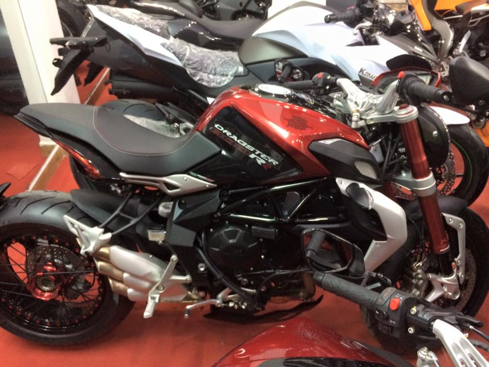 Showroom Moto Ken Z1000 than thanh con 2 chiec duy nhat gia tot cho anh em luon - 3