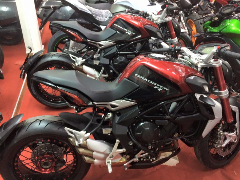 Showroom Moto Ken Z1000 than thanh con 2 chiec duy nhat gia tot cho anh em luon - 4