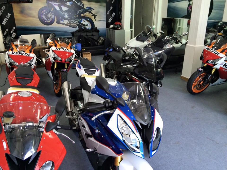 Showroom Moto Ken Z1000 than thanh con 2 chiec duy nhat gia tot cho anh em luon - 6