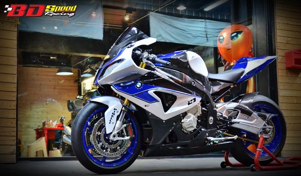 Sieu moto BMW HP4 do tuyet ky tai Thai