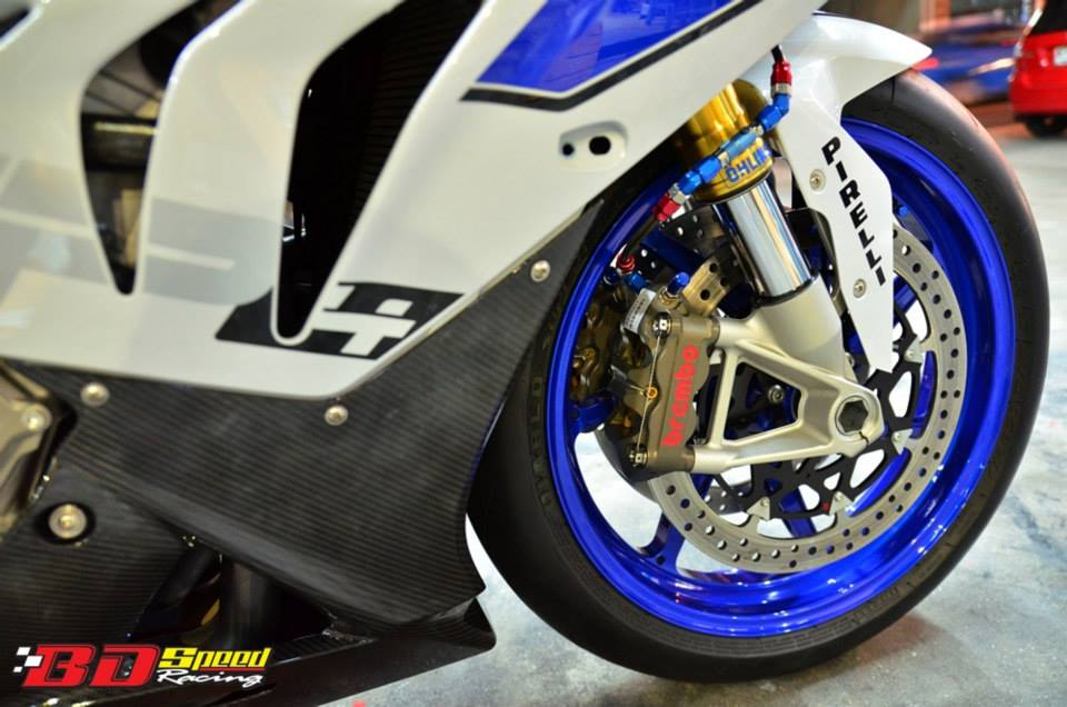 Sieu moto BMW HP4 do tuyet ky tai Thai - 3