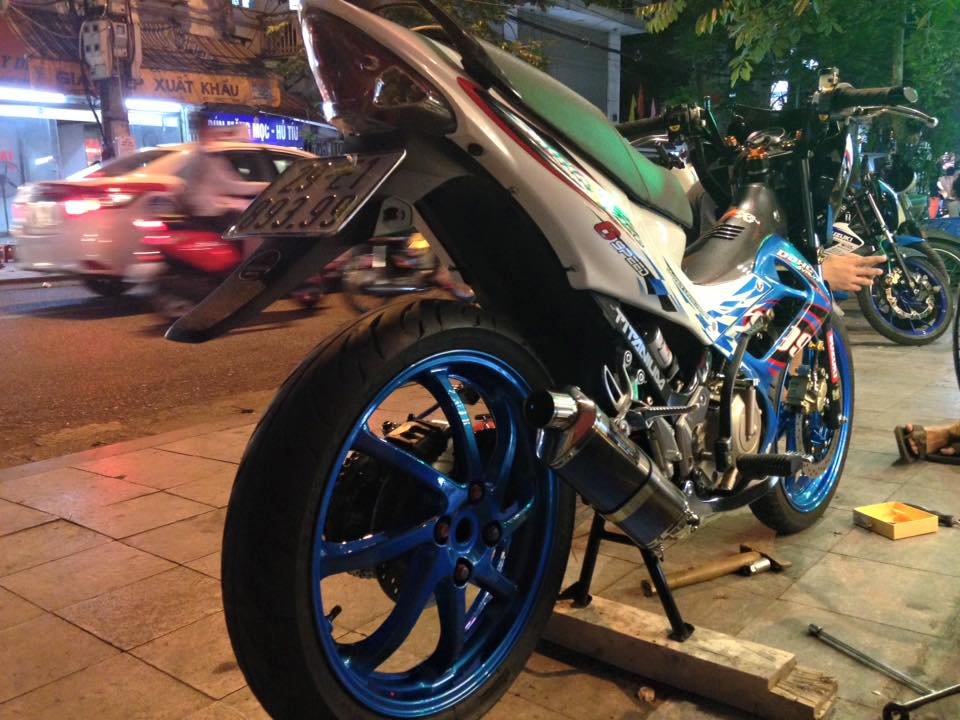 Suzuki Raider do that phong cach voi dan chan 1 gap - 6