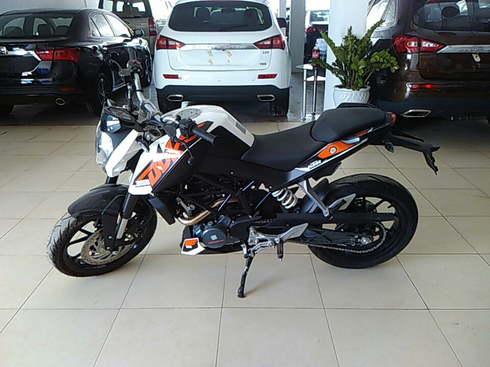 Ban xe KTM duke 200 co ABS - 3