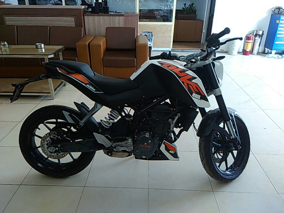 Ban xe KTM duke 200 co ABS - 5