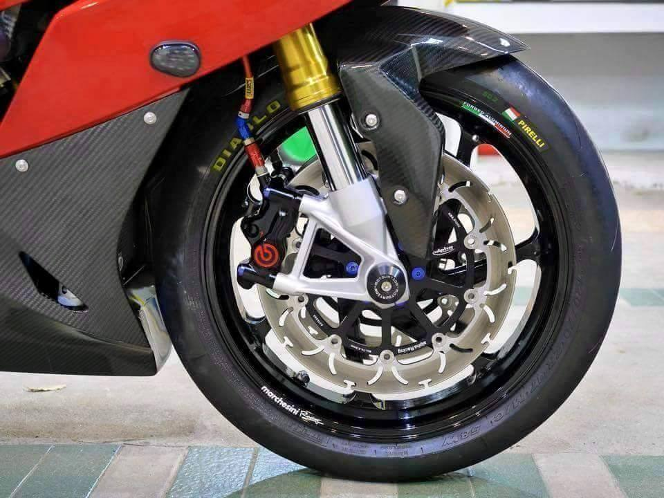 BMW S1000RR 2015 phien ban Carbon cuc chat cung nhieu option khung - 4