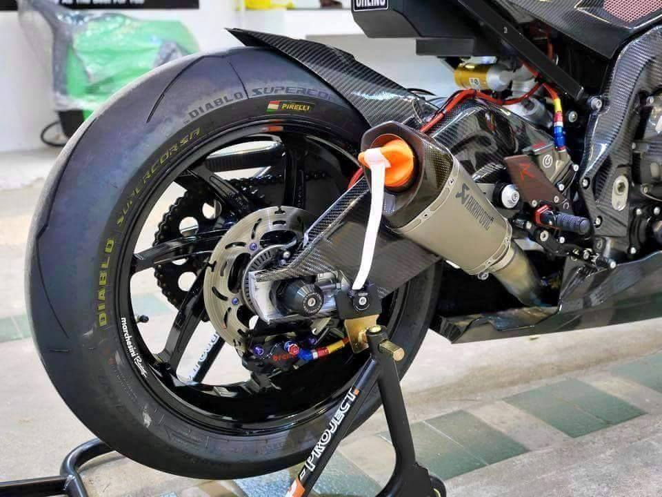 BMW S1000RR 2015 phien ban Carbon cuc chat cung nhieu option khung - 5