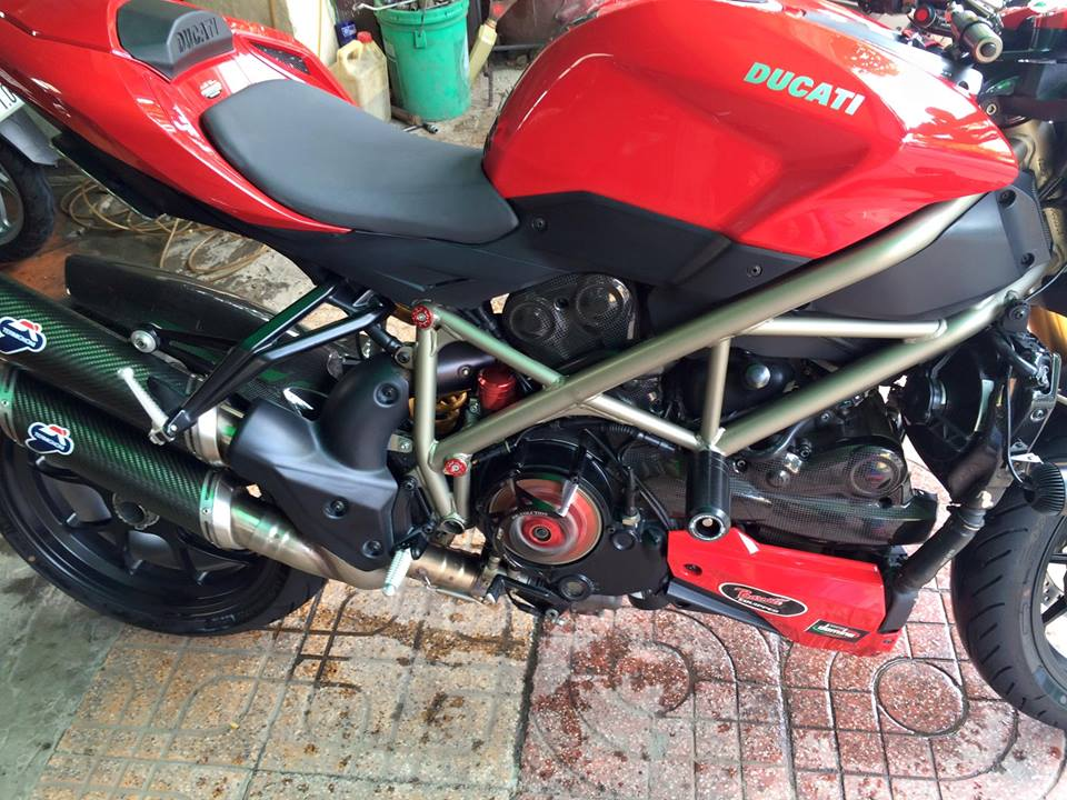 DUCATI STREETFIGHTER 1098S HQCN CAN BAN - 3