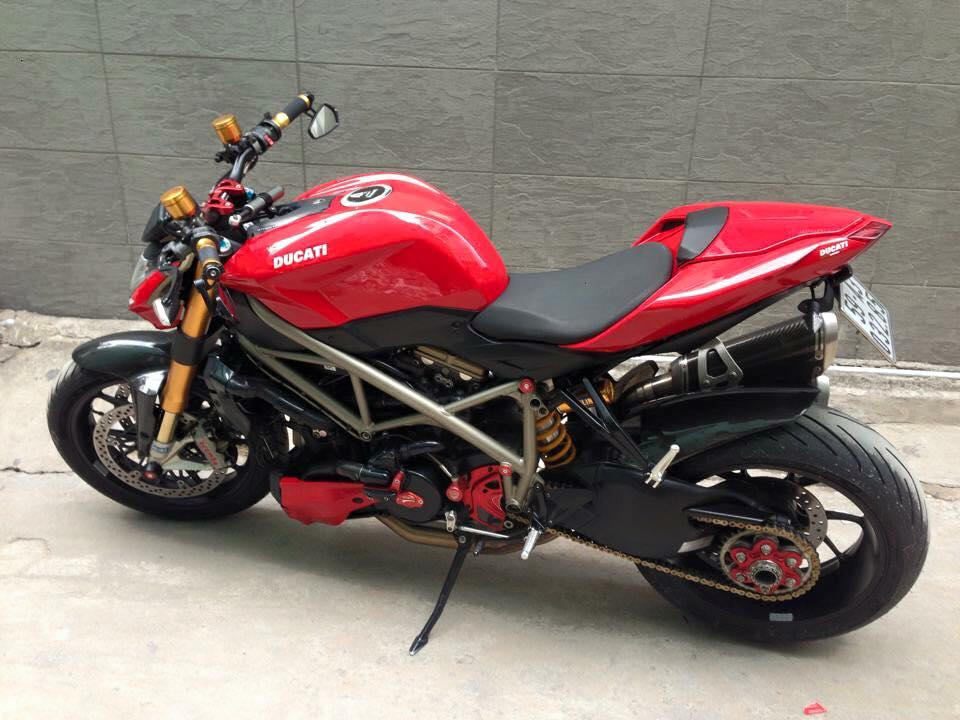 DUCATI STREETFIGHTER 1098S HQCN CAN BAN - 4