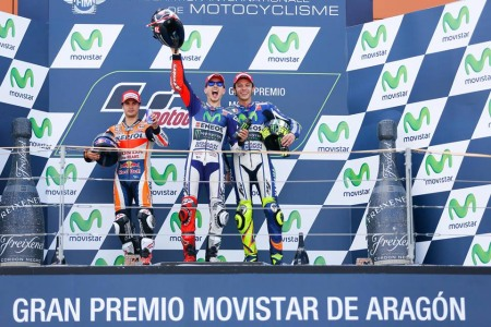 Rossi danh ngam ngui nhin Pedrosa cham vach dich truoc minh - 3
