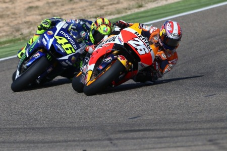 Rossi danh ngam ngui nhin Pedrosa cham vach dich truoc minh - 6