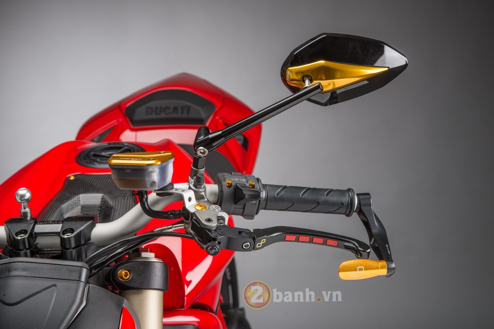 Tuyet pham Ducati Streetfighter 848 do phien ban Lightech - 4