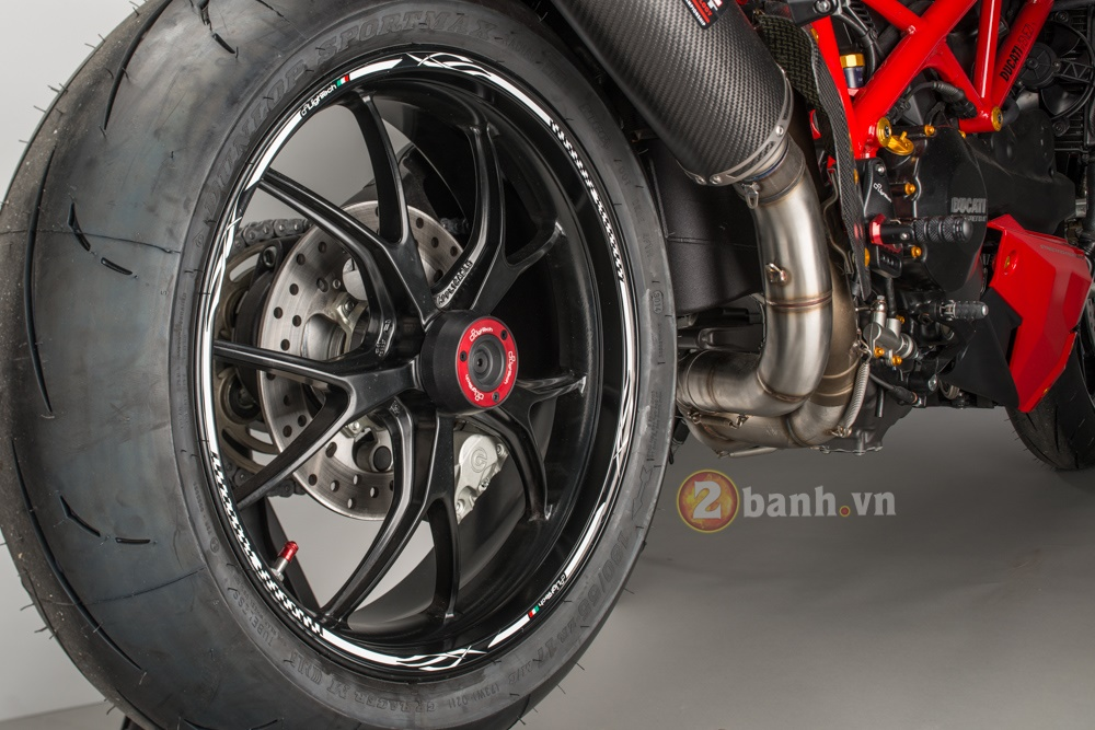 Tuyet pham Ducati Streetfighter 848 do phien ban Lightech - 8