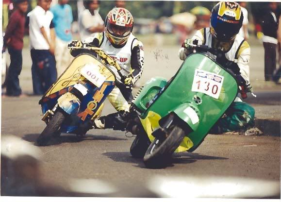 Vespa PX 150 racing stylephong cach moi - 4