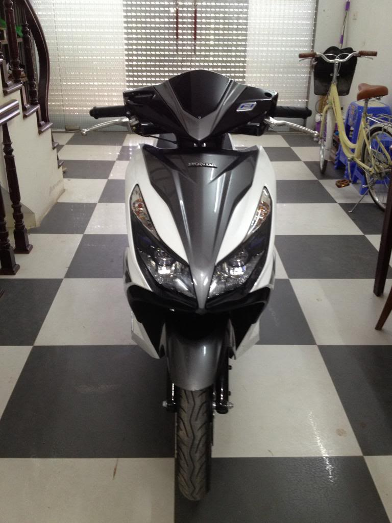 Air Blade 125 trang xam Dk 2014 or doi exciter - 4