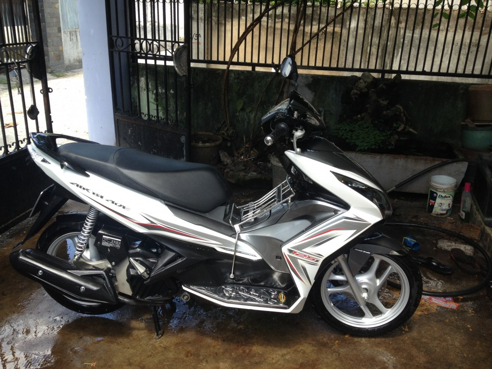 Air Blade 125 trang xam Dk 2014 or doi exciter - 2