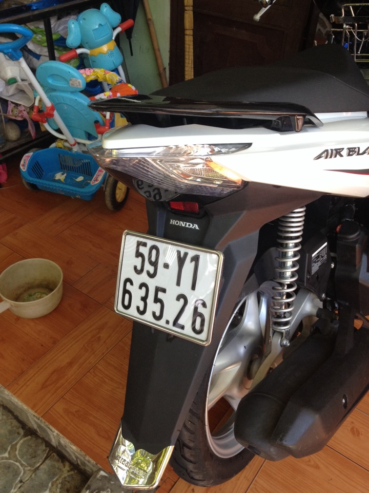 Air Blade 125 trang xam Dk 2014 or doi exciter - 3