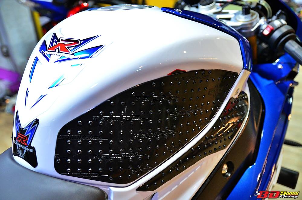 BMW S1000RR 2015 do noi bat voi dan do choi hang hieu - 6