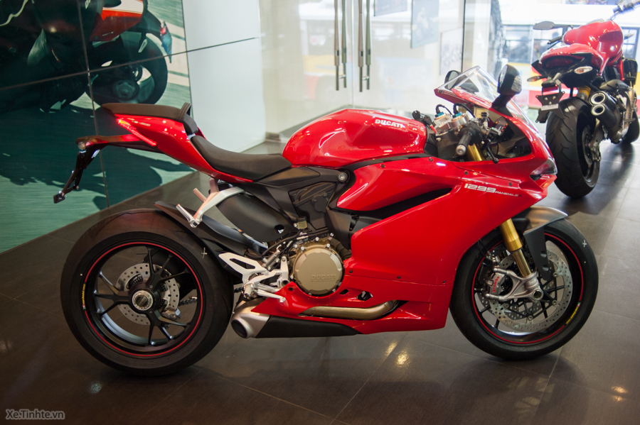 Can canh Ducati 1299 Panigale S chinh hang tai Viet Nam - 4