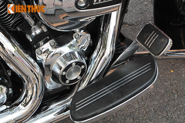 Can canh HarleyDavidson Street Glide gia 11 ty tren pho Sai Thanh - 17