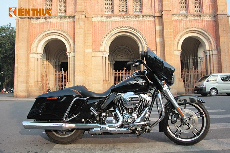 Can canh HarleyDavidson Street Glide gia 11 ty tren pho Sai Thanh - 20