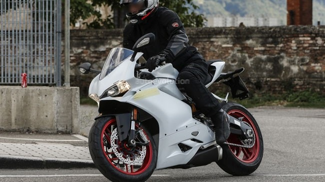 Ducati 959 Panigale chinh thuc lo dien