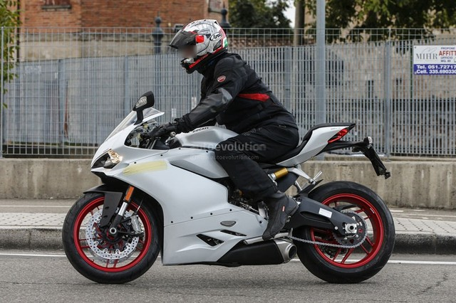 Ducati 959 Panigale chinh thuc lo dien - 5