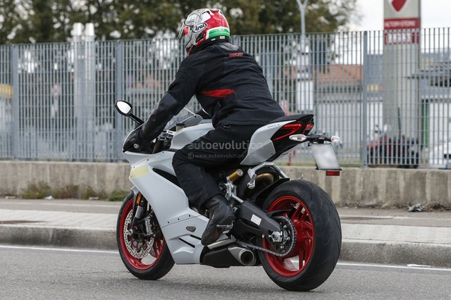 Ducati 959 Panigale chinh thuc lo dien - 10