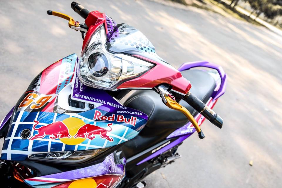 Exciter 135 do noi bat voi phien ban sac mau RedBull - 2
