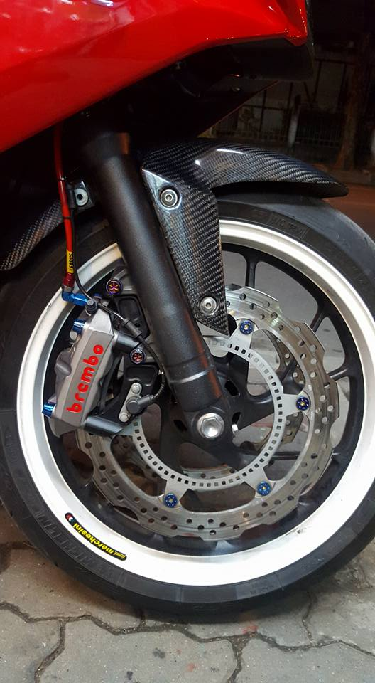 Honda CBR650F do man ma cung dan do choi hang hieu - 6