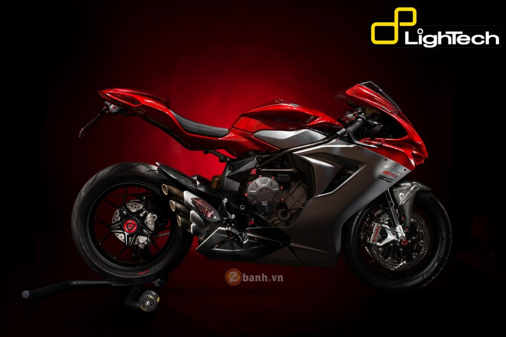 MV Agusta F3 800 dep an tuong voi ban do LighTech