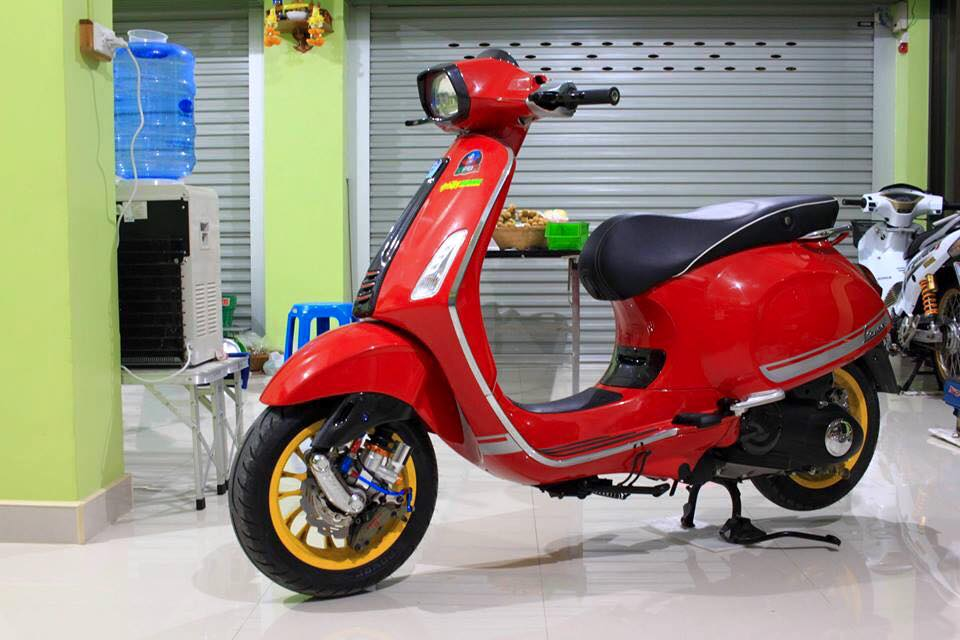 Vespa Sprint do hang hieu cua dan choi Thai
