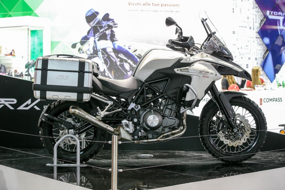 Benelli TRK 502 mau Adventure tam trung day an tuong tai EICMA 2015