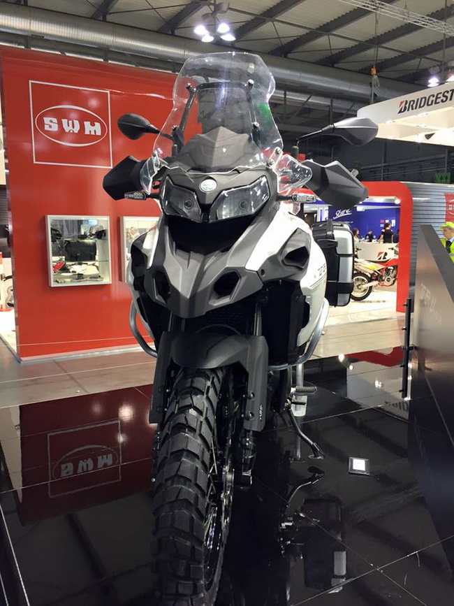 Benelli TRK 502 mau Adventure tam trung day an tuong tai EICMA 2015 - 3
