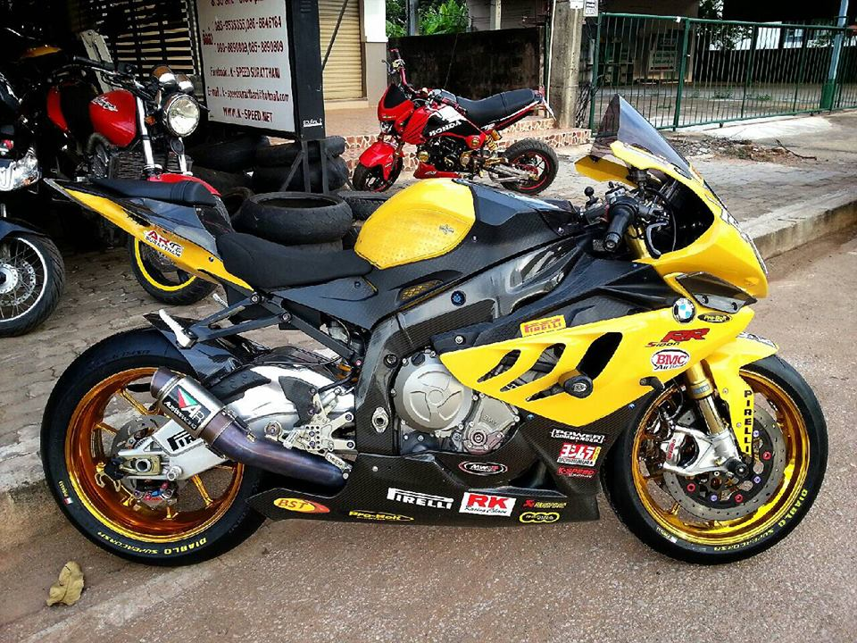 BMW S1000RR do mau vang doc cung dan option day hang hieu - 3
