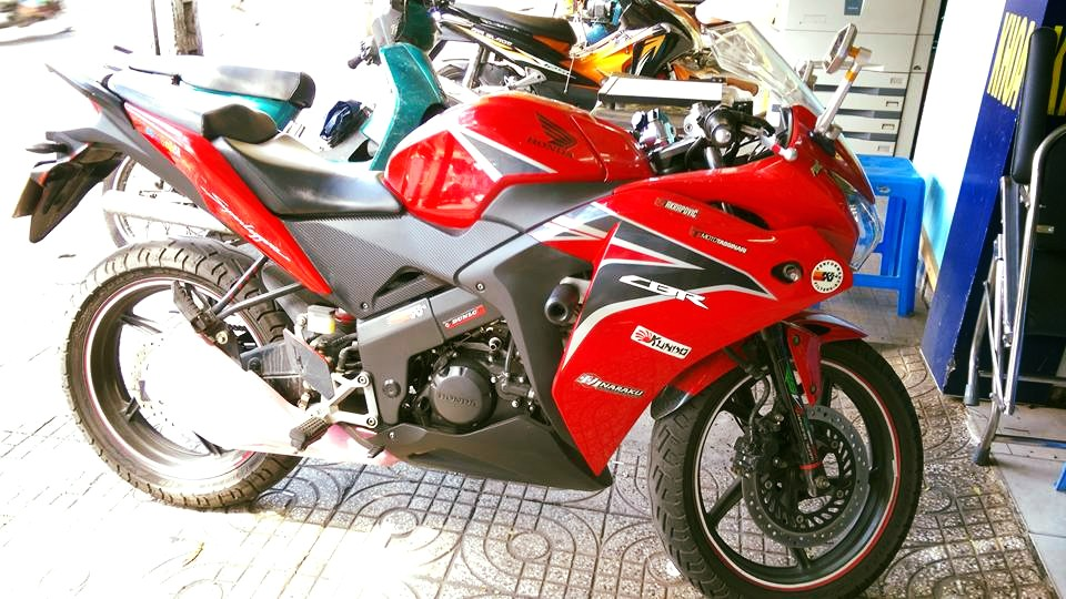 Can ban moto CBR 150i Thai Lan mau do