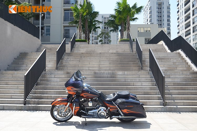 Can canh HarleyDavidson CVO Street Glide 2015 gia 16 ty dong tai Viet Nam