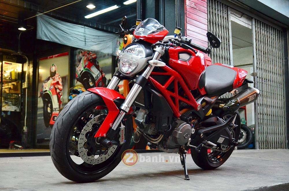 Ducati Monster 795 do don gian voi nhung mon do choi hang hieu