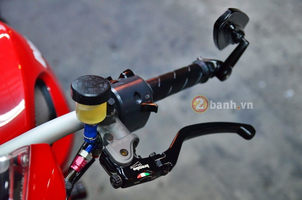 Ducati Monster 795 do don gian voi nhung mon do choi hang hieu - 5